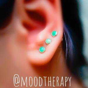 Moodtherapy Jewelry - 4mm Green Fire Opal Gemstone Stud Earrings